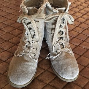 Shoes - Tan Canvas Distressed Boots